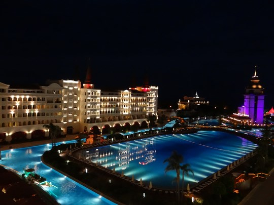 31. Mardan Palace by night