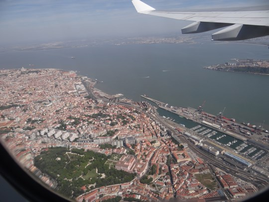 02. Decolare peste Lisabona
