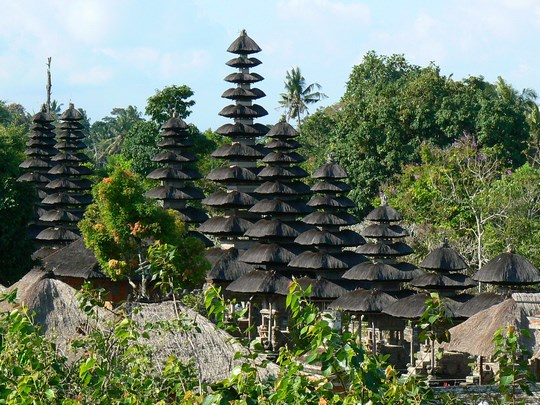 04. Templu regal - pagode in Bali