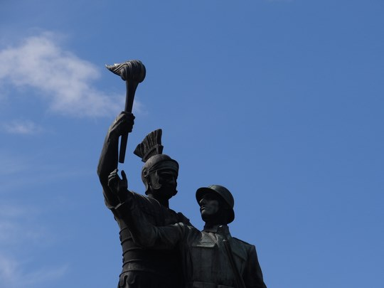 06. Statuia eroilor