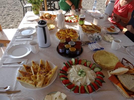 07, Mic dejun la Crit