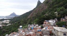 10. Favela Si Isus