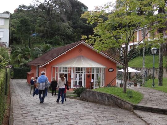 16. Restaurant la palatul imperial