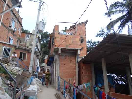 17, Strazile din favela Santa Marta