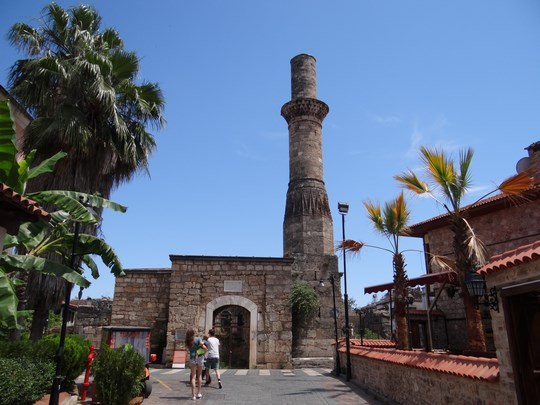21. Minaretul decapitat
