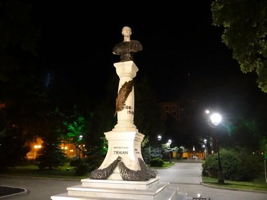 22. Statuie Traian