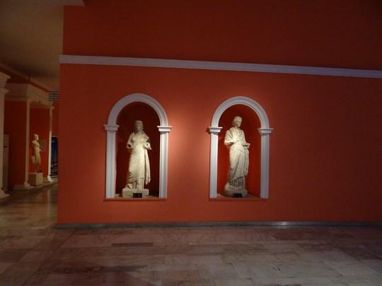 31. Statui grecesti