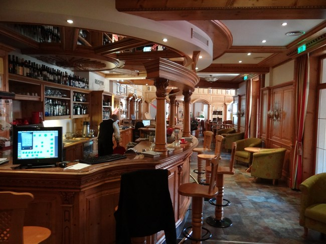 06. Bar Binderbubi