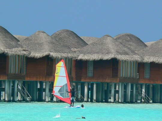 06. Windsurfing in Maldive
