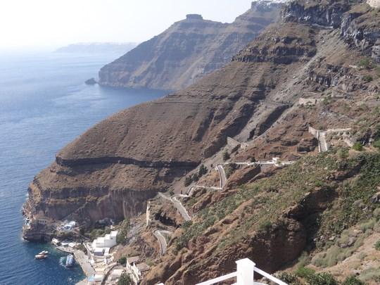 10. Coasta Santorini
