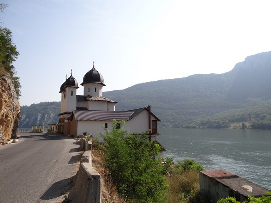 10. Manastirea Mraconia la Cazane