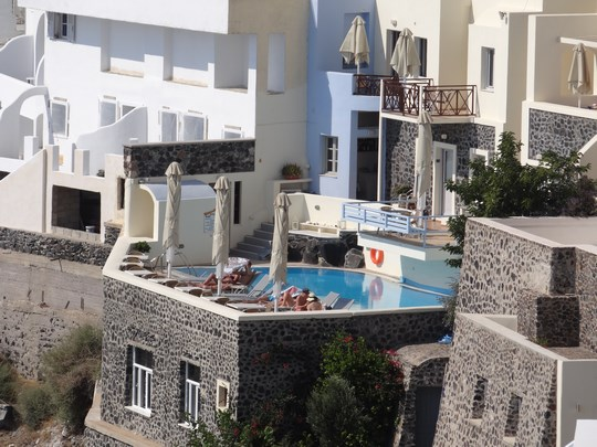 11. Piscina in Thira