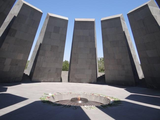 02. Flacara eterna - Genocidul armean