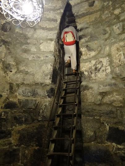 04. Groapa lui Grigore Iluminatorul