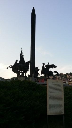 04. Monumentul Asanestilor
