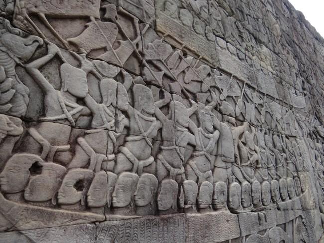 07. Basorelief Angkor
