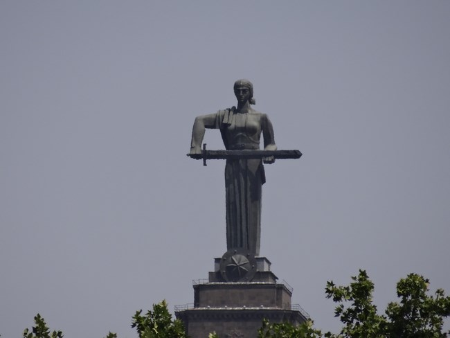 07. Mama Armenia