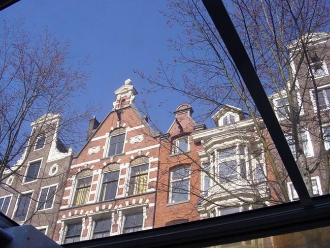 08. Amsterdam