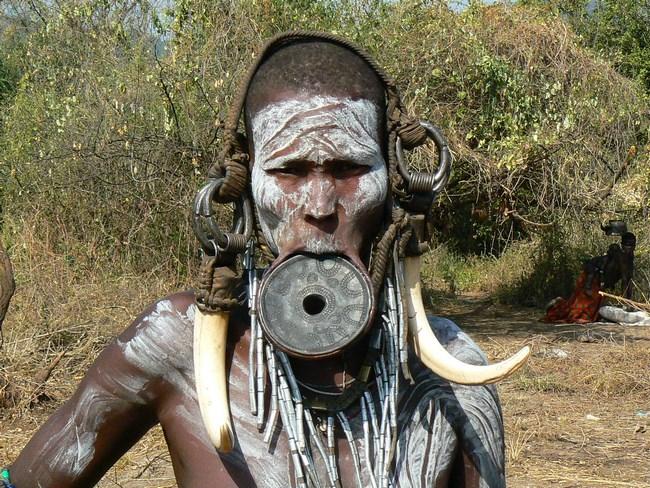 13. Trib Mursi - Etiopia