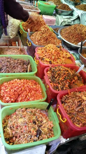 5. cool food, in pyin oo lwin market (Copy)