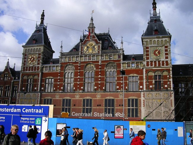 01. Gara Amsterdam