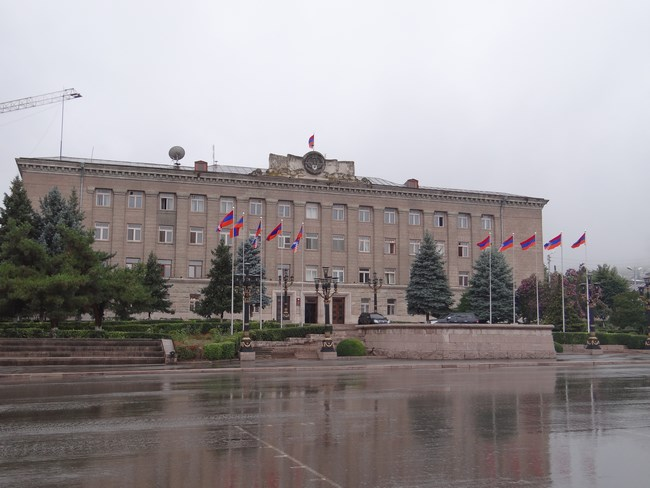 08. Parlament Karabakh