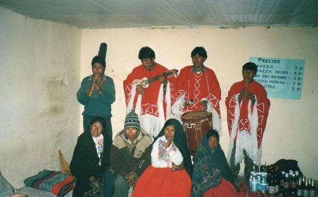 11. Trupa folclorica peruana
