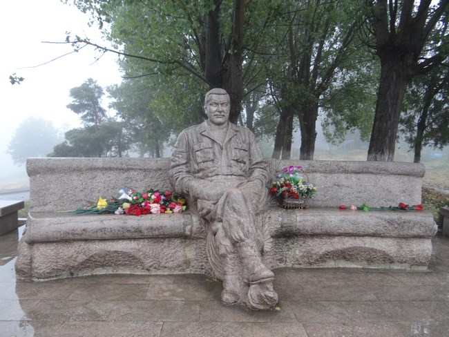17. Statuie luptator Karabakh