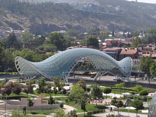 24. Podul Pacii Tbilisi