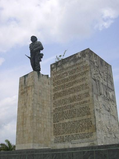 06. Statuia lui Che
