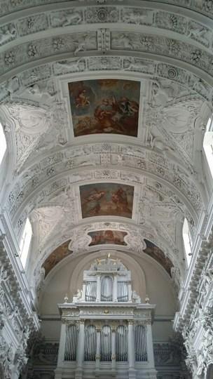 09. Interior Sf. Petru si Pavel