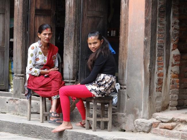 03. Fete din Nepal