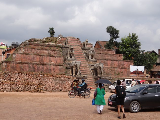 17. Templu distrus - Bhaktapur, Nepal