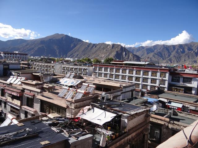 15. Panorama Lhasa