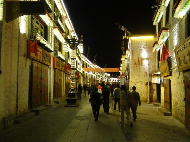 33. Lhasa noaptea