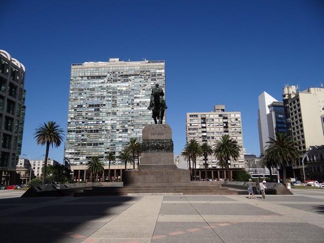01. Piata centrala din Montevideo