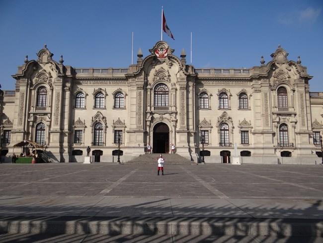 03. Palatul presedintelui Peru