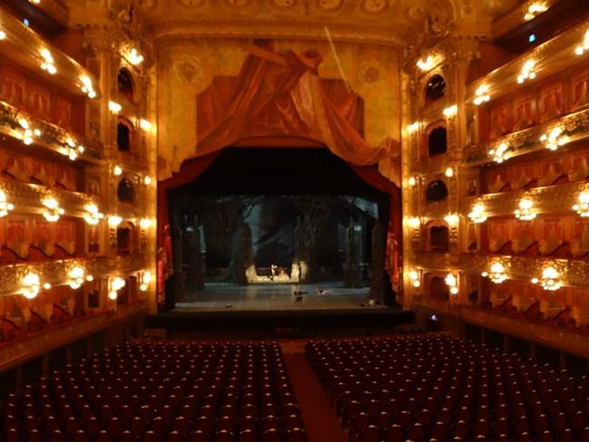 04. Teatro Colon