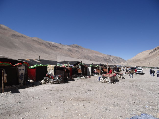 12. Corturi Everest Base Camp