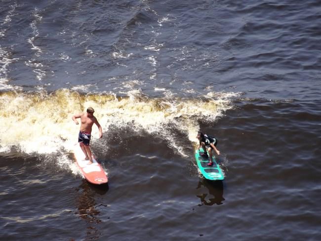 15. Surfing la Lima