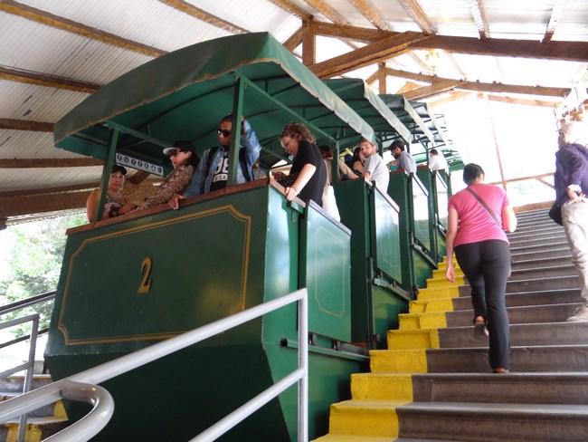 15. Tren cu cremaliera in Santiago de Chile