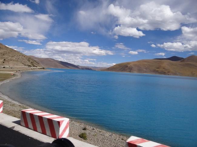 21. Lacul Yamdrok