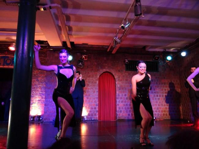 30. Tango cabaret