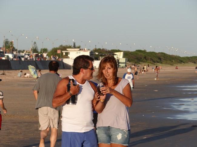 32. Termos pe plaja
