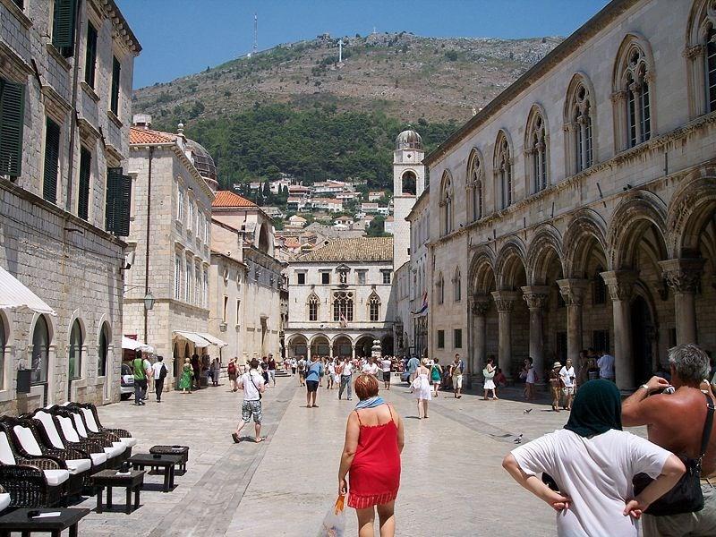 02. Strada centrala din Dubrovnik