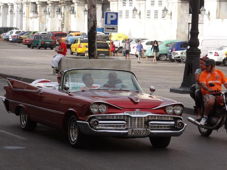 14. Masini de epoca in Havana