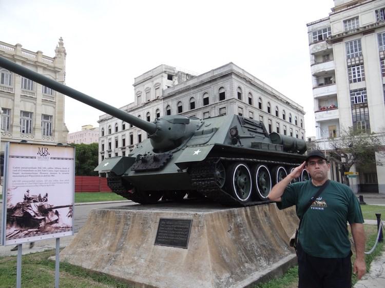22. Cu tancul prin Havana