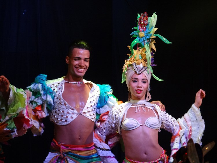 29. Dansatori cubanezi