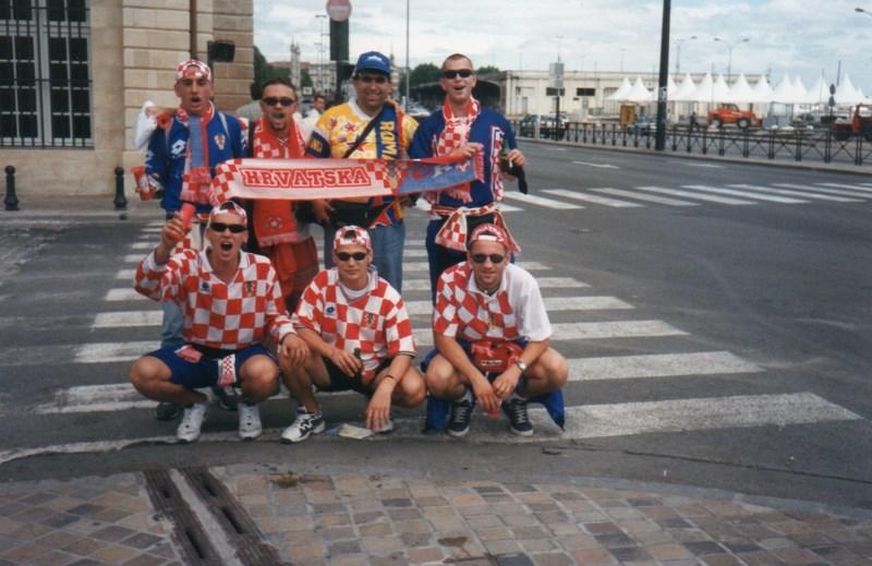 16. Cu suporteri croati