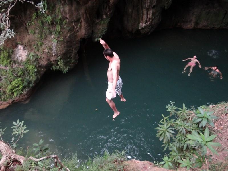 35. Saritori in cascada